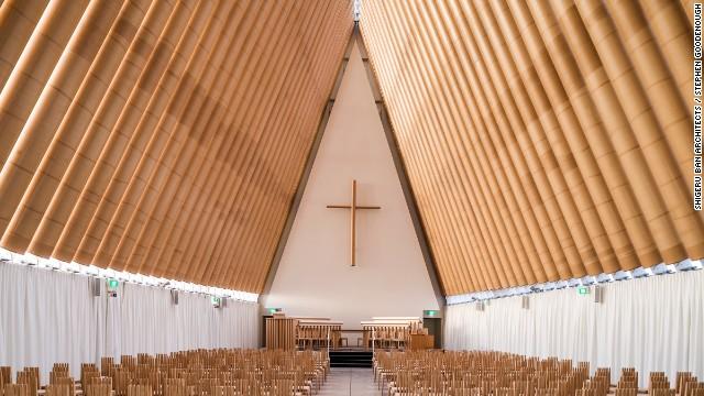140325130622-shigeru-ban-cardboard-cathedral-02-horizontal-gallery
